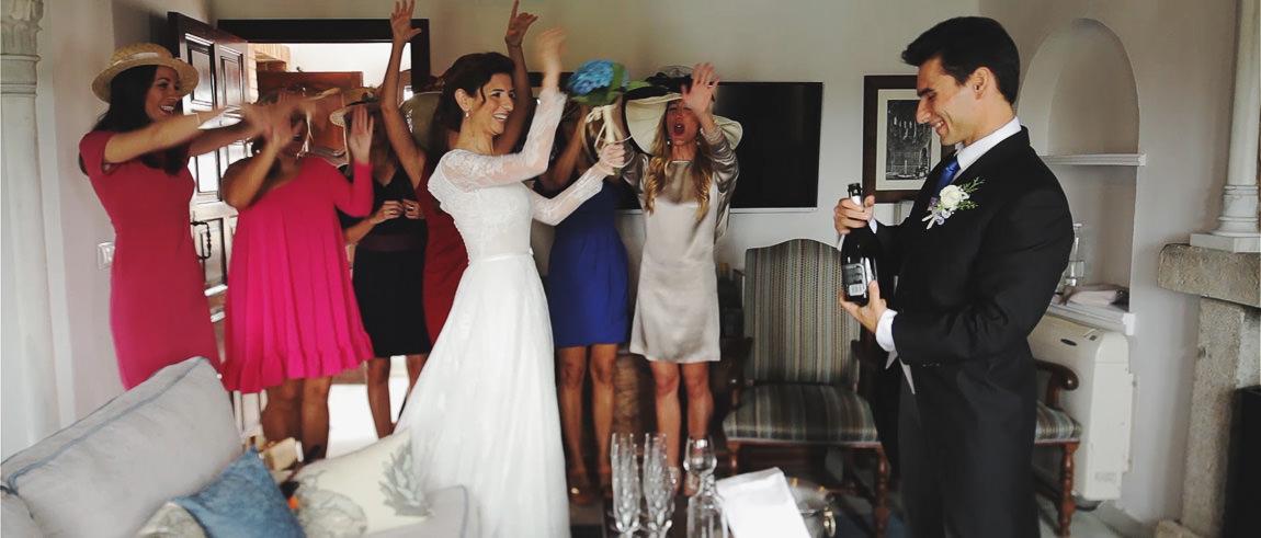 Amigas de la Novia celebrando la boda