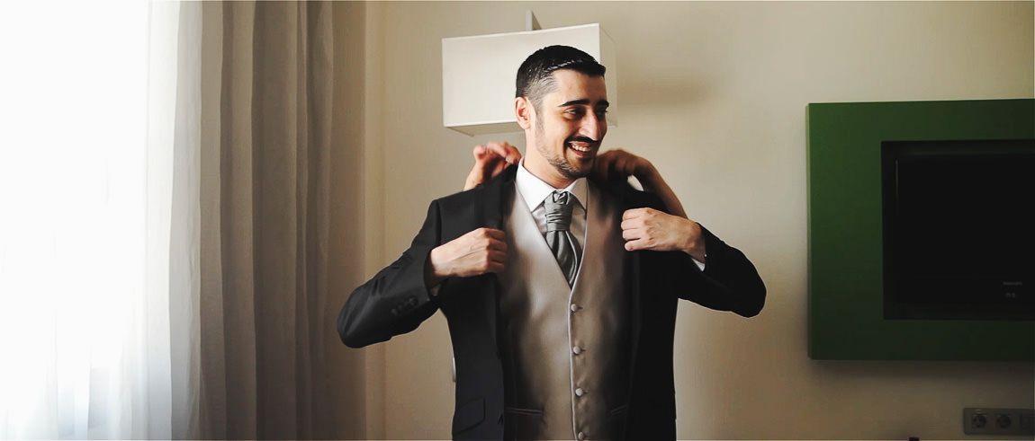 Preparacion del novio para la boda civil