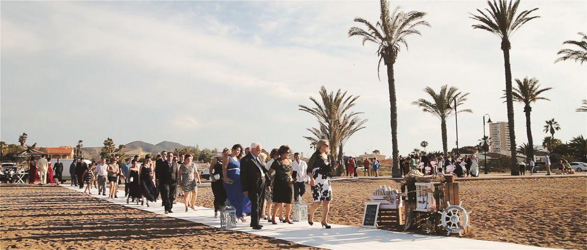 Invitados en una boda de playa