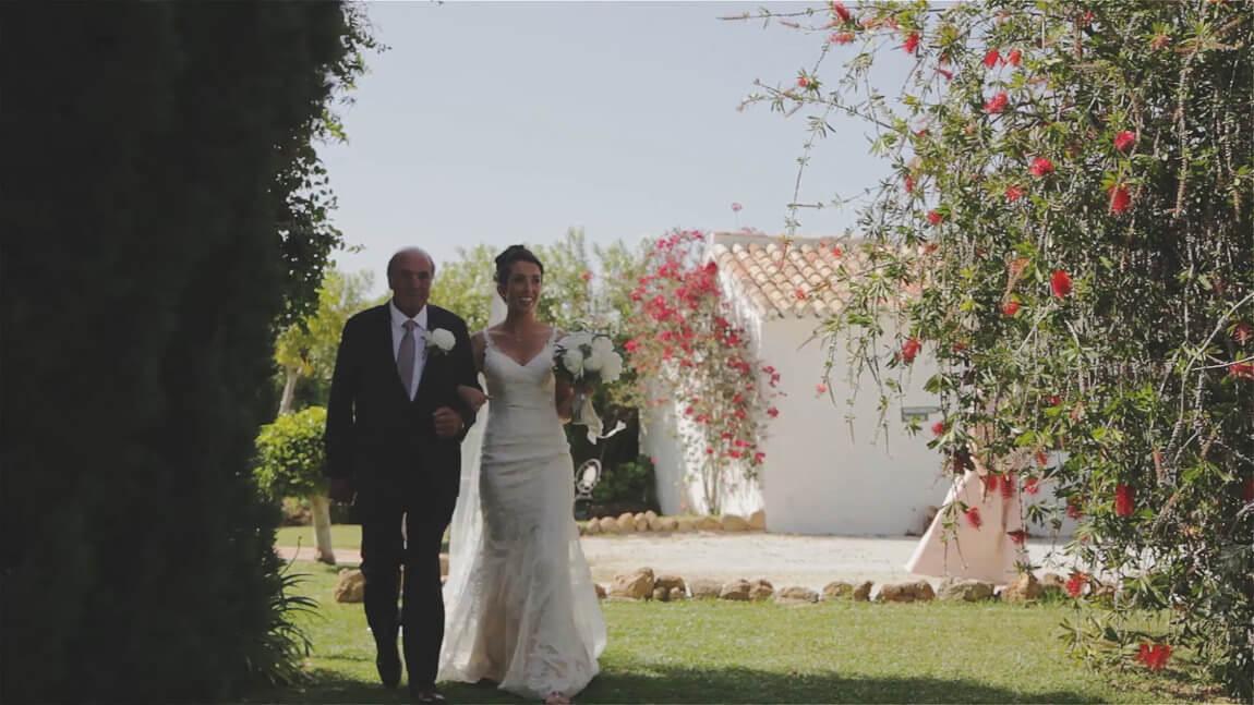 Llegada de la novia a la ceremonia civil en Marbella